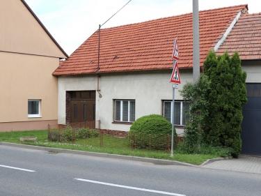 Prodej rodinného domu 80 m², pozemek 1 411 m² Bílovice